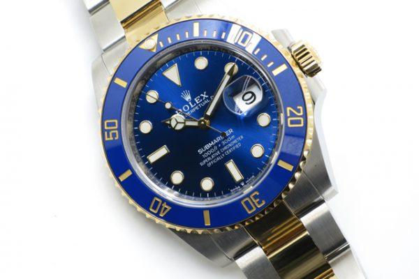 深みあるブルーが人気のモデルです!